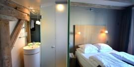hotel room, copyright